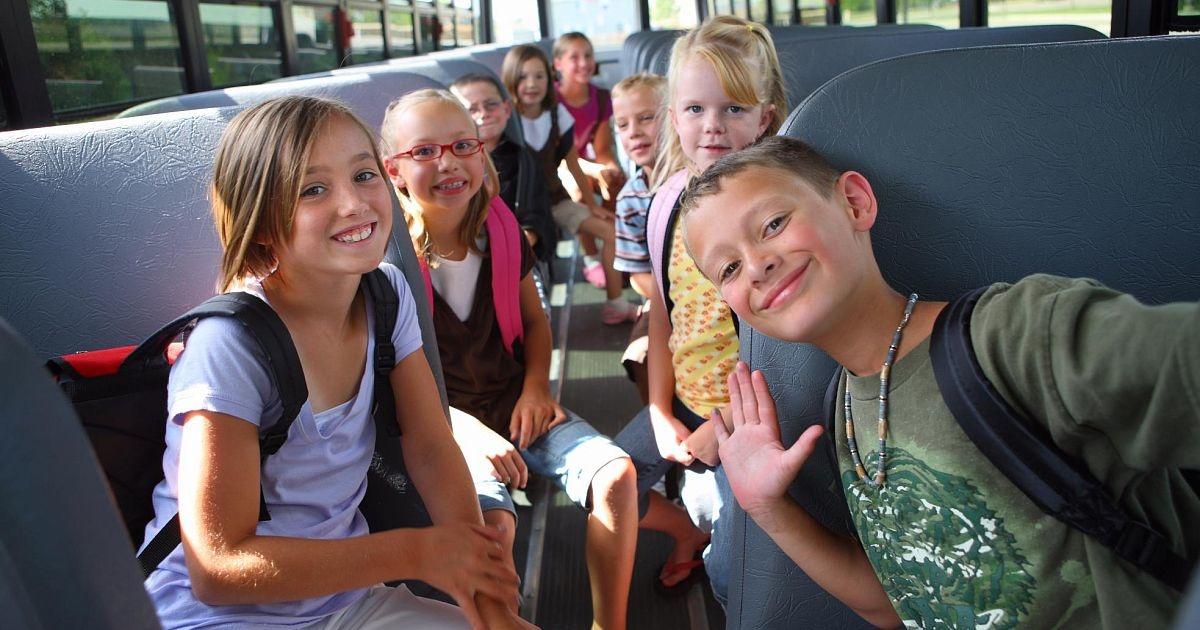 deti-v-avtobuse